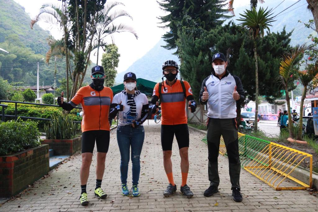 Ciclistas que visitan el Cañón del Combeima fueron sensibilizados en correcta disposición de basuras Banner